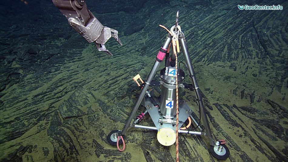 Подводный вулкан Аксиал. Подробности исследования