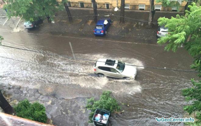Ливень затопил улицы Одессы, август 2016. Видео.