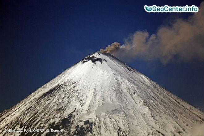 Вулканы Ключевской и Шивелуч выбросили столбы пепла