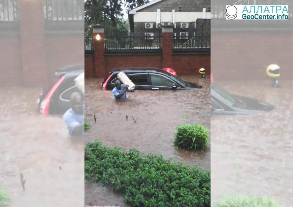 В г. Найроби, столице Кении, а также ее пригородах сильное наводнение, март 2018 г.