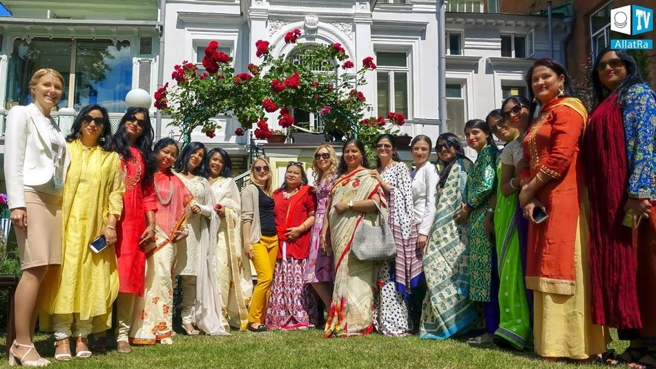 Finding universal grains. Intercultural meeting at the Residence of India Ambassador to Ukraine.