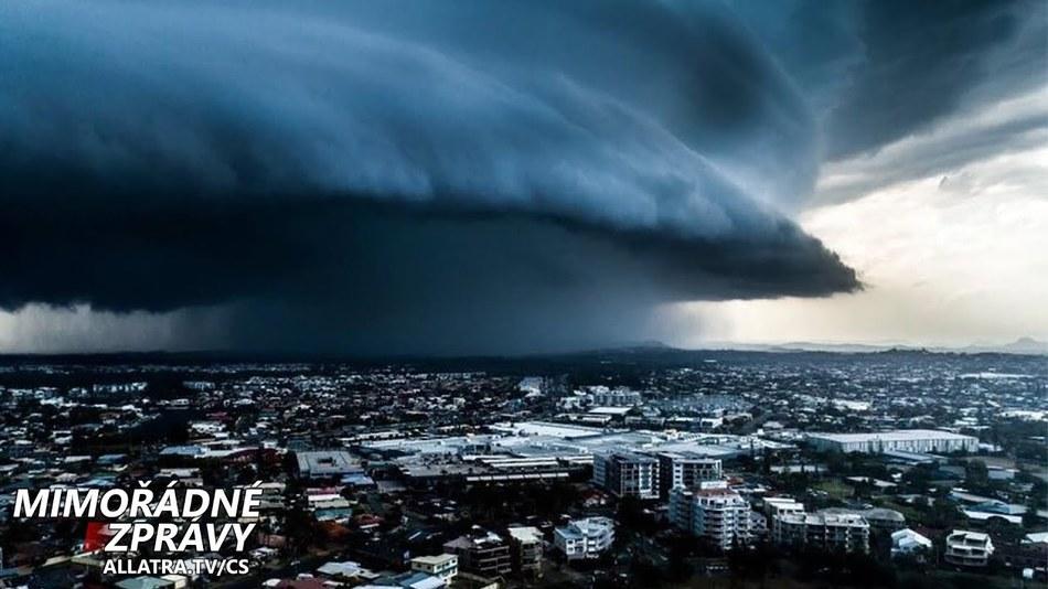 Katastrofa na White Island na Novém Zélandu. Velké kroupy → Austrálie, USA. Povodně → Asie, Afrika
