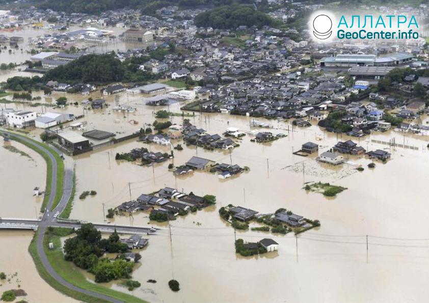 Крупное наводнение в Японии, август 2019