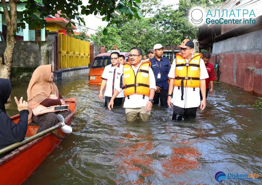 Крупные наводнения в Индонезии, июнь 2019