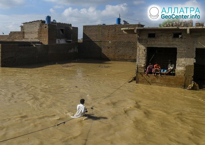 Rozsiahle záplavy a zosuvy v krajinách sveta, september 2020