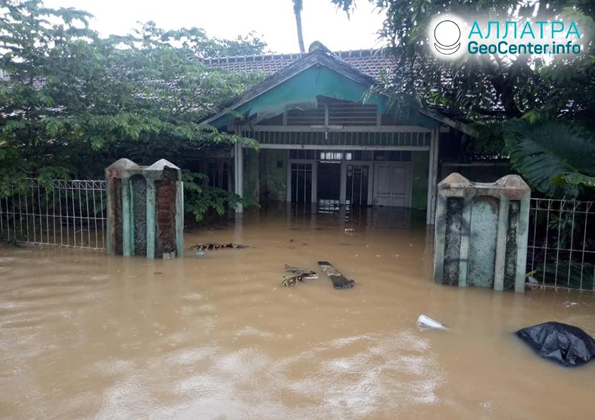 Záplavy v Indonézii, apríl 2020