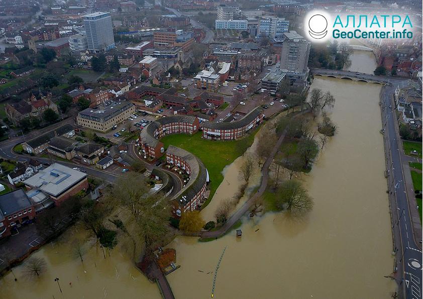 Наводнения и оползни в середине декабря 2020