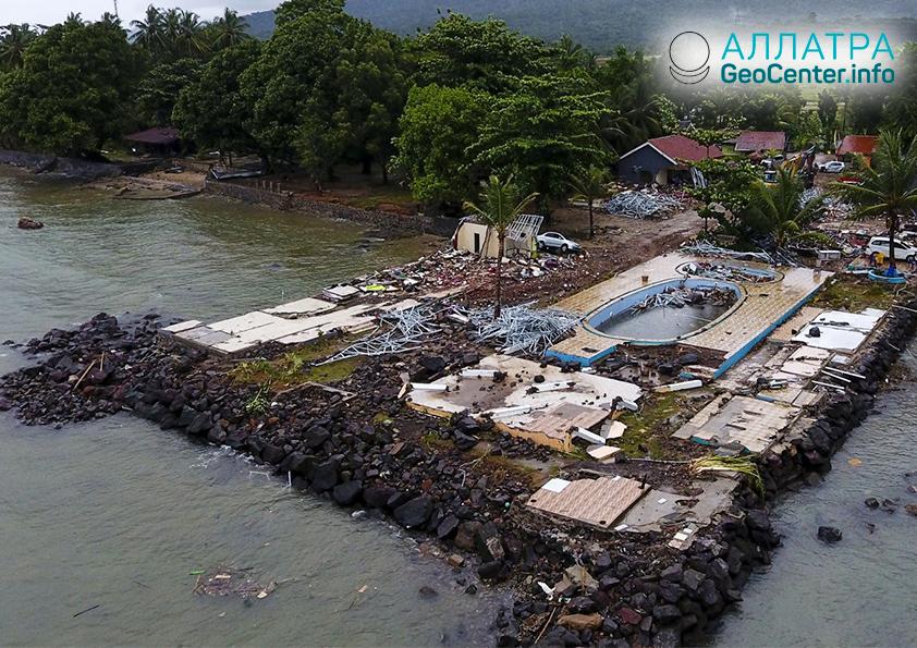 Последствия извержения вулканов Анак Кракатау, Карангетанг и цунами в Индонезии, декабрь 2018 года