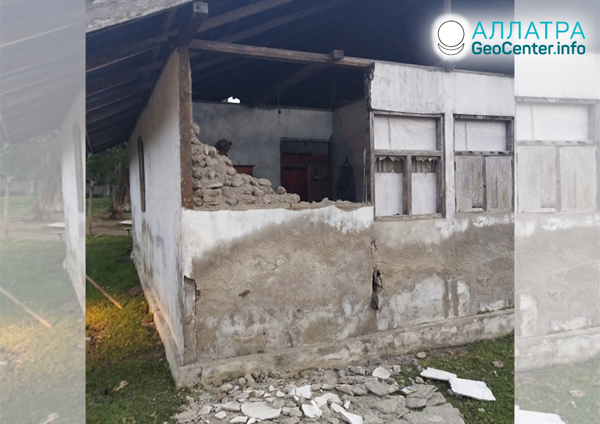 Разрушительное землетрясение в Индонезии, июль 2019