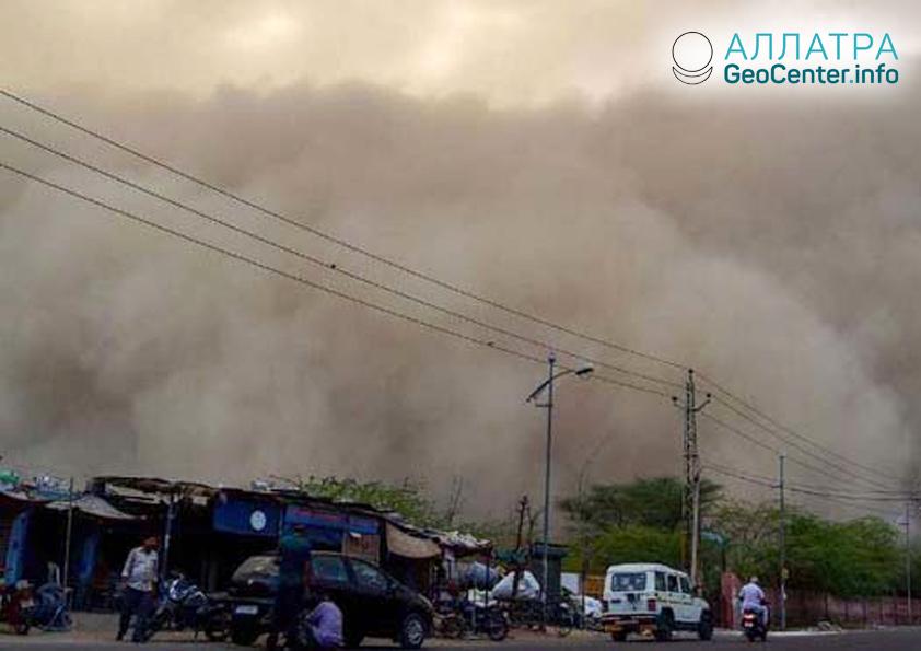Шторм в Индии, апрель 2019