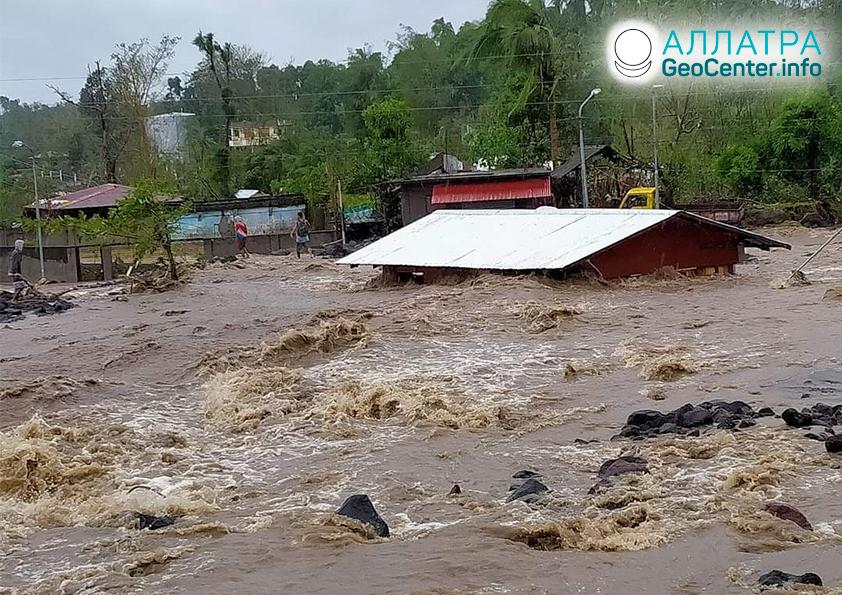 Сильнейший тайфун «Гони» обрушился на Филиппины, ноябрь 2020