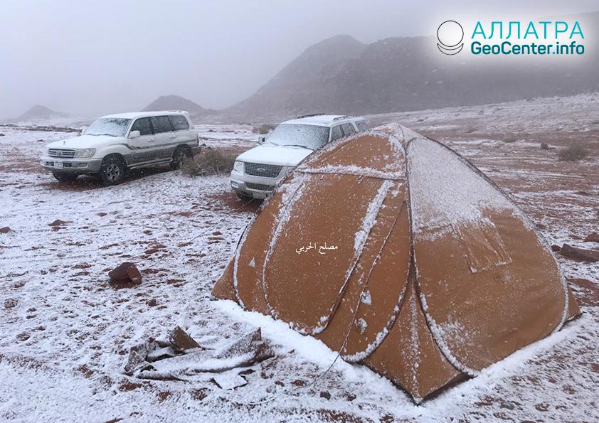 Снег в Саудовской Аравии, февраль 2019