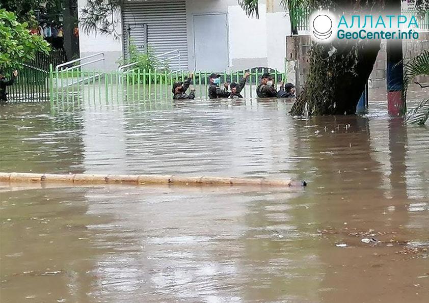 "Тропический шторм ""«Аманда», май 2020"