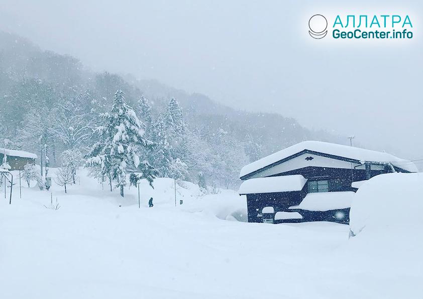 Землетрясение и обильные снегопады в Японии, декабрь 2018