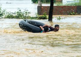 Жители Непала пострадали от наводнения, Гималаи, август 2017 года