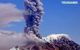 Камчатские вулканы Шивелуч и Ключевская сопка, вновь активизировались в июле 2017 года