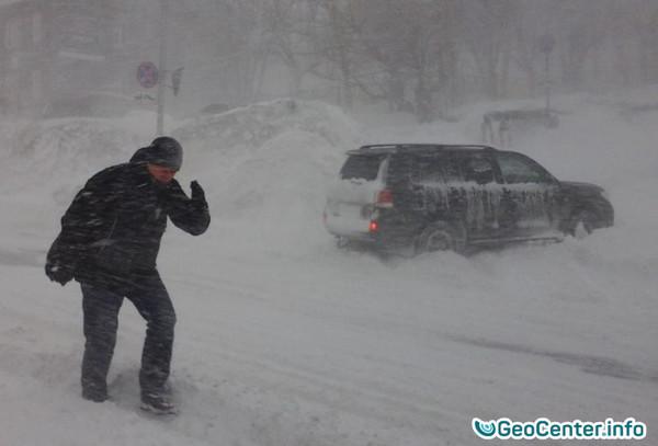 Снежный циклон пришел на Камчатку