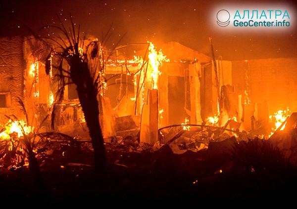 Продолжаются пожары в США, июль 2018 г.