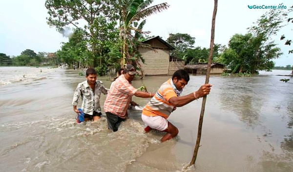 Наводнения в Индии и на острове Суматра, Индонезия