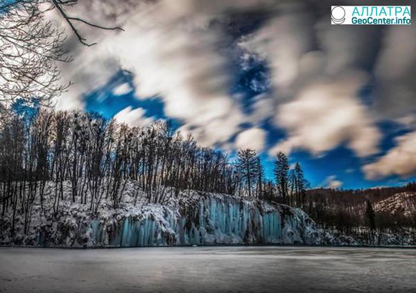Ледяная красота Плитвицких озер в Хорватии, март 2018 года