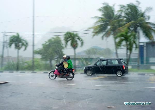 На Флориду обрушился тропический шторм «Эмили», июль 2017 года