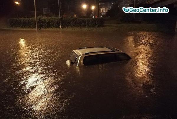 Мощный ливень затопил Ивано-Франковск (Украина), сентябрь 2017