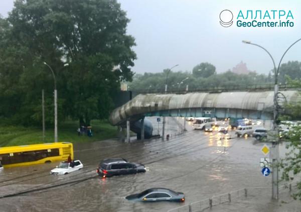 Ливни в Новосибирске превратили город в реки, июнь 2018 г.