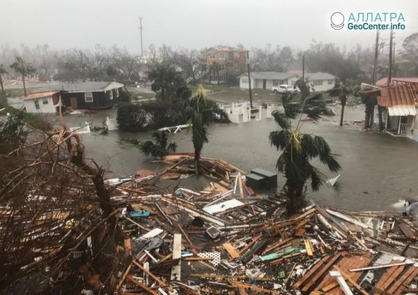 """Ураган """"Майкл"""" обрушился на Флориду (США), октябрь 2018 г."""