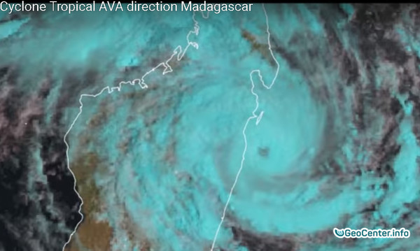 """Мадагаскар.Тропический шторм """"Ава"""""""