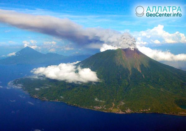 Активизировался второй вулкан в Индонезии, октябрь 2018