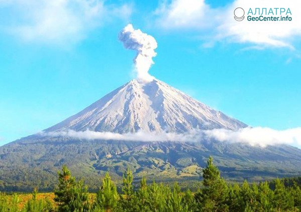 Второе в мае извержение вулкана Мерапи (Индонезия), май 2018 г.