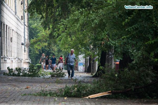 Мощная буря обрушилась на город Днепр (Украина), август 2017