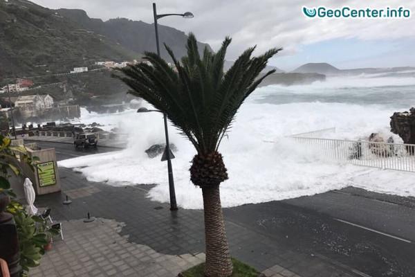 Побережье Канарского острова Тенерифе пострадало от шторма