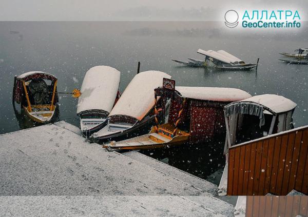 Аномально ранняя зима в штатах Кашмир и Джамму (Индия), ноябрь 2018 г.
