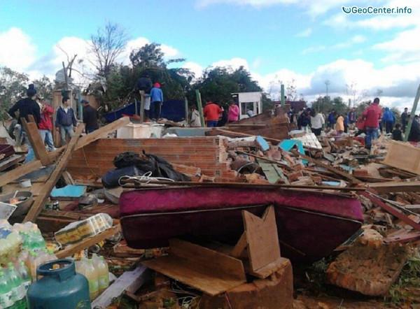 Шторм в Бразилии и торнадо в Парагвае (Южная Америка)