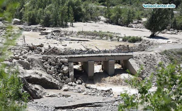 Из-за жары возможен сход селя в горных районах Алматинской области, Казахстан