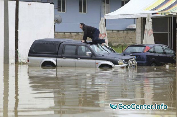 В Албании произошло масштабное наводнение, 1 декабря 2017
