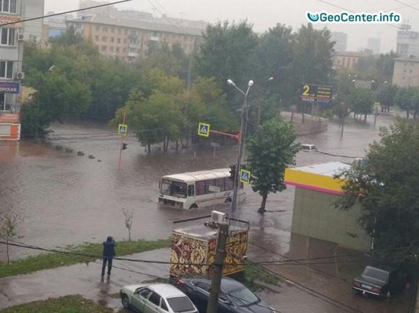 Наводнение из-за мощного ливня в Красноярске, Россия, август 2017 года