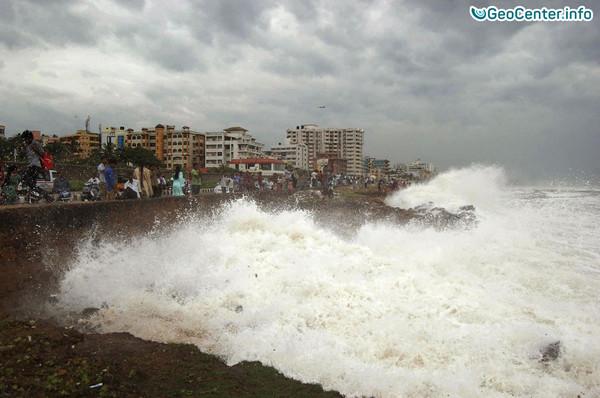 Тропический циклон Вардах в Индии