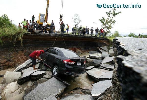 Сильные дожди вызвали стихийное бедствие на юге Таиланда, ноябрь 2017
