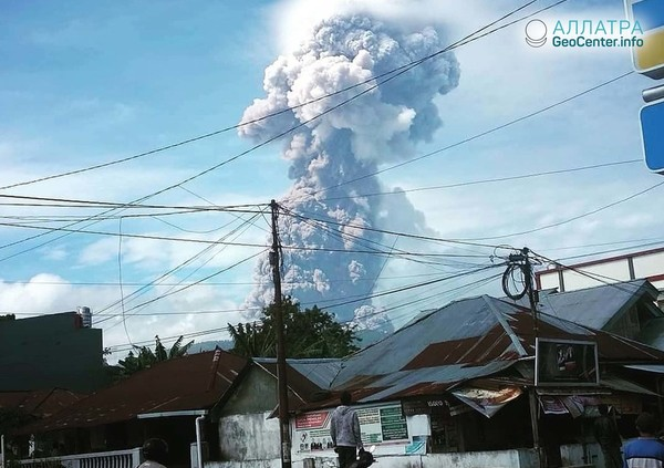 На острове Сулавеси проснулся вулкан, октябрь 2018 г.