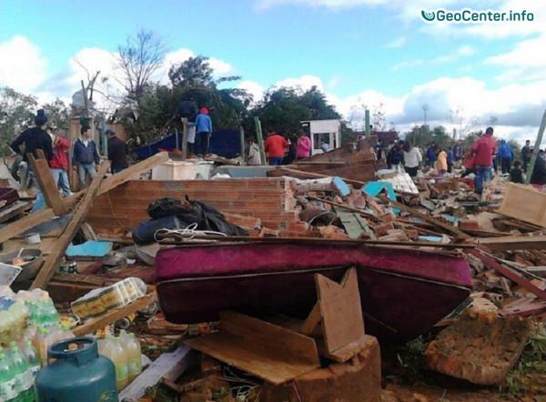 Последствия торнадо в Парагвае, апрель 2017