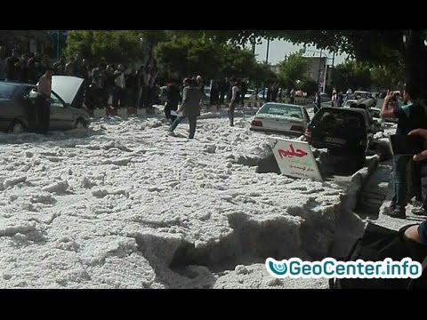 Град в Иранском городе Сенендедж, май 2017 года