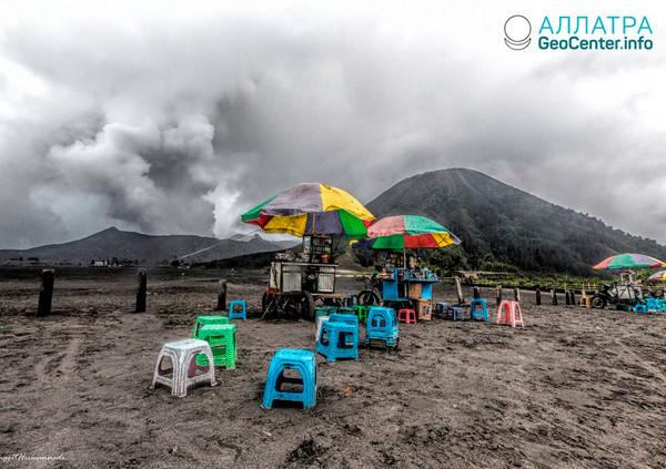 Sopka Bromo (Indonésie) se aktivovala, 18 březen 2019
