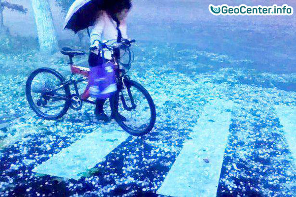В китайской провинции Гуйчжоу прошел сильный град