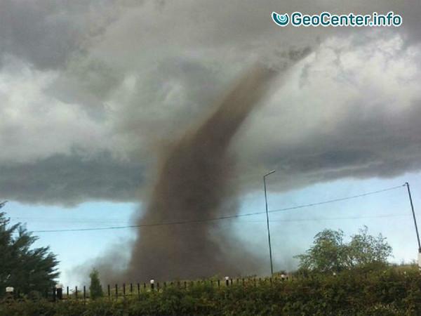 Мощный торнадо в Аргентине