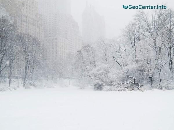 "The storm ""Grayson"" sweeps snow north-east USA, January 2018."