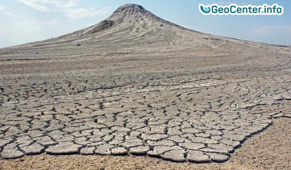 Извержение грязевого вулкана Локбатан в Азербайджане