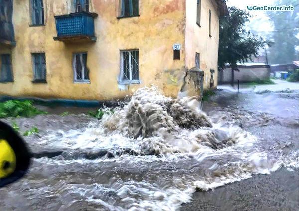 Ливень и наводнение в Ульяновске, Россия