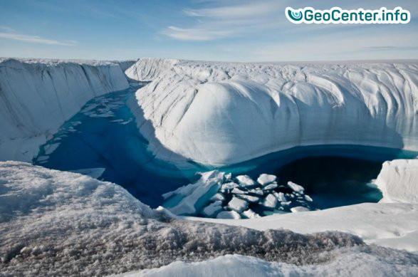 Громадный айсберг откололся от ледника Ларсен C в Антарктиде, июль 2017